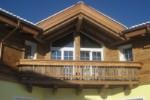 Balkon aus Altholz