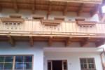 Balkon aus Thermoholz